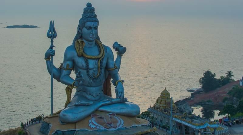 अमृत ध्वनि छन्द श्री नवल सिंह भदौरिया कृत ब्रज भाषा की कविता है