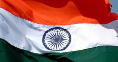 इतिहास नया बनने को है - स्व. श्री नवल सिंह भदौरिया रचित हिंदी भाषा की कविता